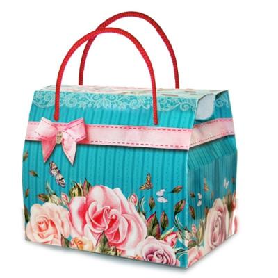 """Коробка подарочная """"Букет роз"""" с веревочными ручками, 800 гр"""